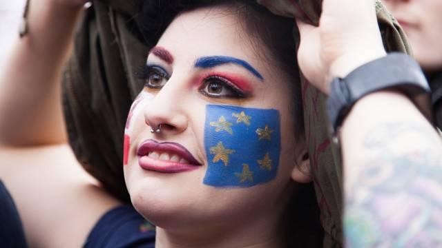 Ilustrační snímek. Britka protestuje proti odchodu země z EU v Londýně na Trafalgar Square. 28. červen 2016