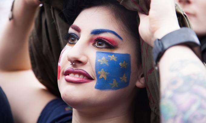 Ilustrační snímek. Britka protestuje proti odchodu země z EU na Trafalgar Square. 28. červen 2016