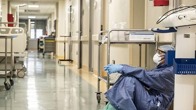 Pozitivní na celosvětové pandemii koronaviru je fakt, že se o virech kolem nás začalo mluvit nahlas. Ale smrtící pandemie by mohla být i mnohem horší než ta, s níž právě bojujeme.