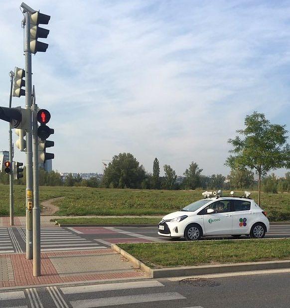 Monitorovací auto firmy Eltodo, jak jej zachytila šéfredaktorka magazínu Dotyk