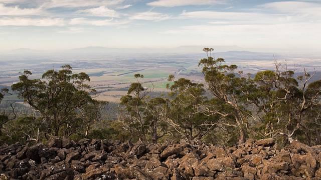 Pohled na nížinu kolem města Launceston