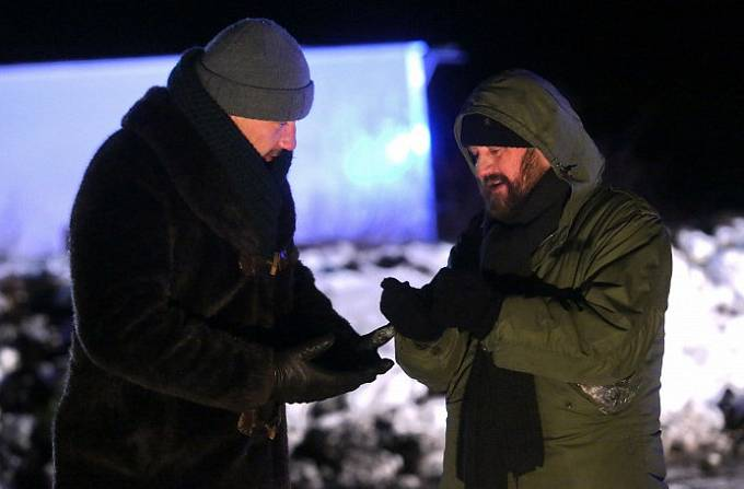 Martin Trnavský a Karel Zima v seriálu Temný kraj
