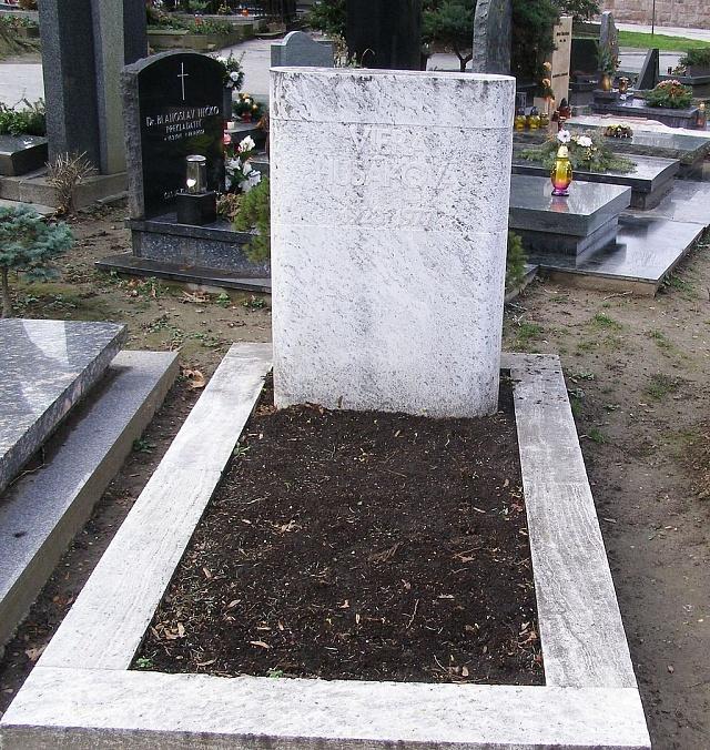 Hrob Viery Husákové, druhé manželky československého prezidenta
