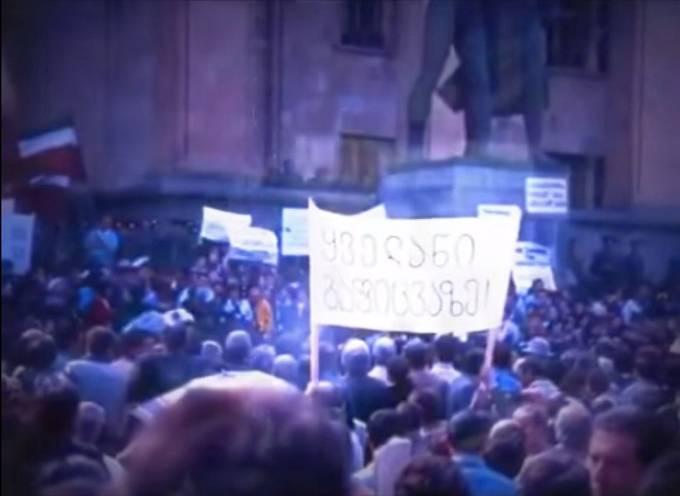 Do ulic vyšly desítky až stovky tisíc demonstrantů