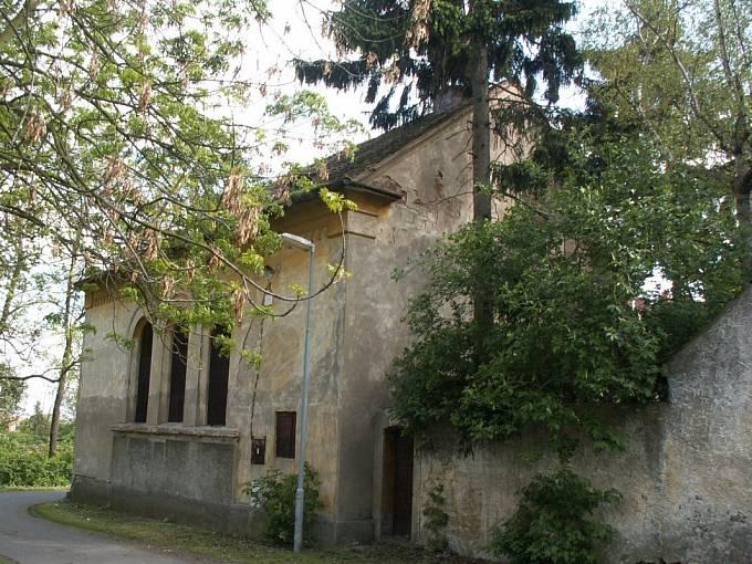Kostel Církve československé husitské (původně synagoga) v Třebívlicích na Lovosicku