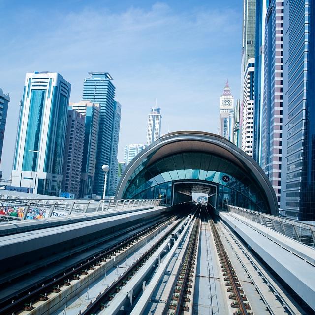 Metro vDubaji předčilo svým futuristickým designem svou dobu