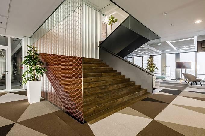 Nové kanceláře firmy Avast / centrální schodiště