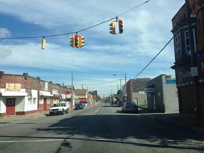 Zchátralá ulice Broadway, kdysi centrum českého Clevelandu