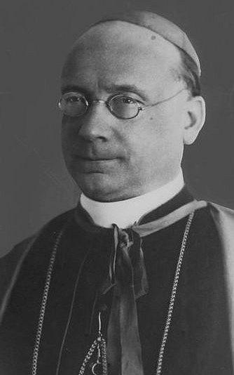 Papežský nuncius vPraze Francesco Marmaggi byl Vatikánem 5.července 1925na protest proti mohutným husovským oslavám odvolán do Říma. Diplomatický konflikt se podařilo zahladit až roku 1928, kdy byl do Prahy vyslán nový nuncius Pietro Ciriaci. Roku 1929