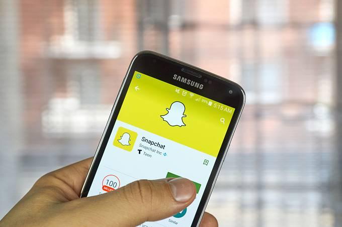 Snapchat se nachází na pomyslném vrcholu, cesta ale vede dolů
