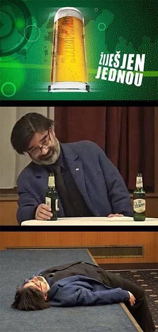 Bystrému oku vtipálků neušla ani pivní značka, která stála před Rokytkou