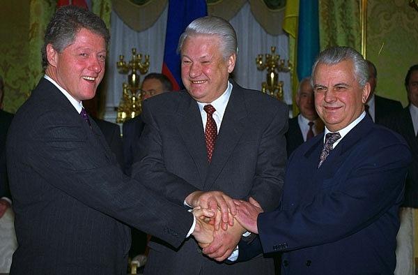 Otázku ukrajinských jaderných hlavic vyřešila až dohoda Borise Jelcina sLeonidem Kravčukem pod patronací amerického prezidenta Billa Clintona z14. ledna 1994