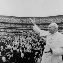 Na lidi působil polský papež mystickým dojmem