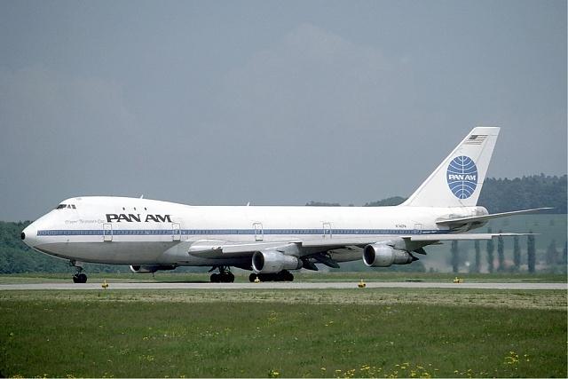 První let Boeingu 747proběhl vbarvách aerolinek Pan Am