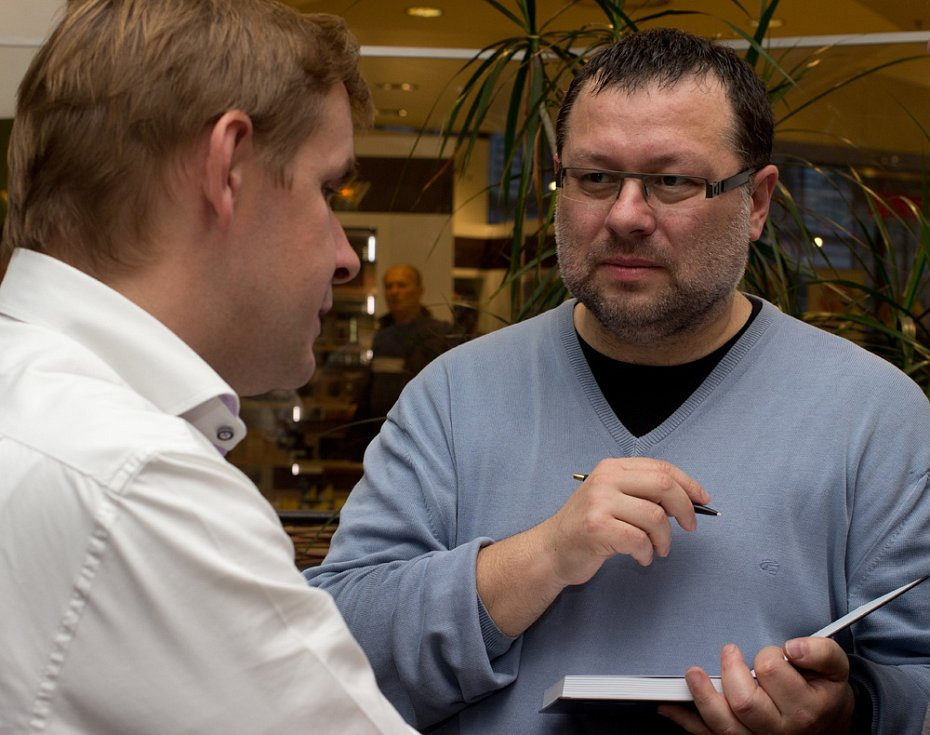 Jaroslav Kmenta s bývalým šéfredaktorem Mladé Fronty Dnes Robertem Čásenským