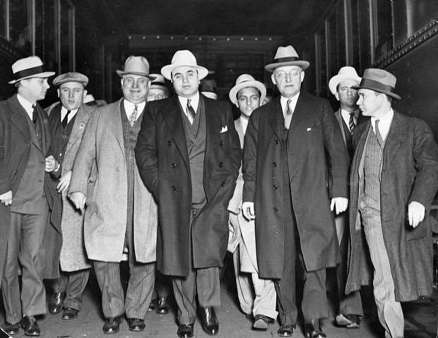 Al Capone a členové jeho gangu