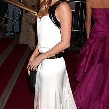 Róby YSL často oblékají hvězdy Hollywoodu: Gisele Bündchen