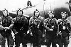 Kamikaze před sebevražednou misí v listopadu 1944