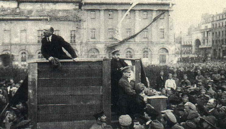 V.I. Lenin; tribun lidu