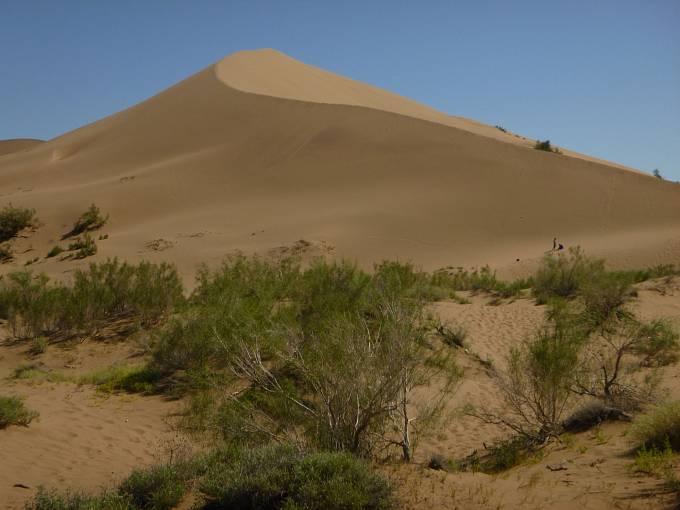 Písečná duna v Národním parku Altyn-Emel