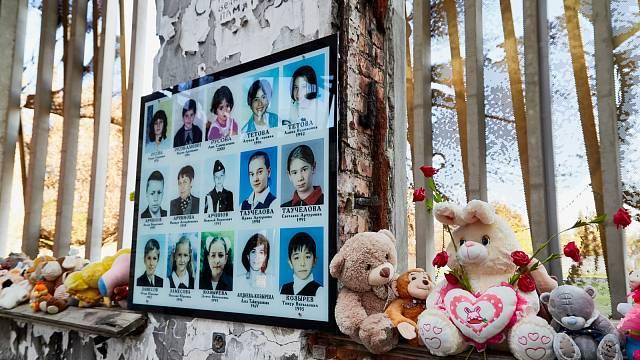 Beslanský masakr se nesmazatelně zapsal do dějin. Na první den školy před 17 lety nebude nikdy zapomenuto.