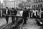 Jan Palach se upálil na protest proti potlačování svobod a pasivnímu přístupu veřejnosti