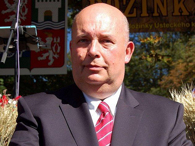 Další vlivný člen myslivecké společnosti – šéf Agrární iPotravinářské komory a přítel prezidenta Zemana Miroslav Toman.