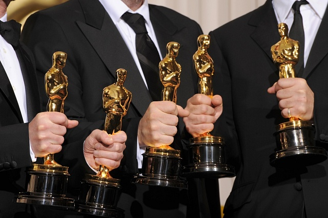 Kdo vyhraje zlaté sošky napřesrok? Filmoví favorité už se pomalu rýsují.