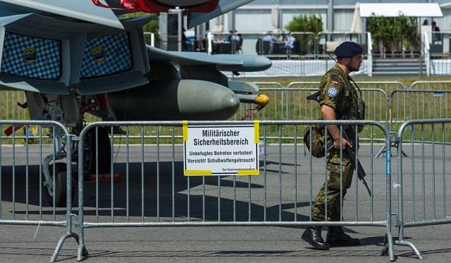 Práce pro Bundeswehr startupové firmy odrazuje.
