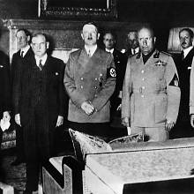 Signatáři Mnichovské dohody: Neville Chamberlain, Édouard Daladier, Adolf Hitler a Benito Mussolini
