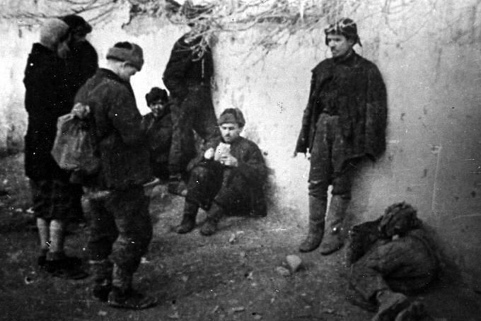 Vězni v gulagu