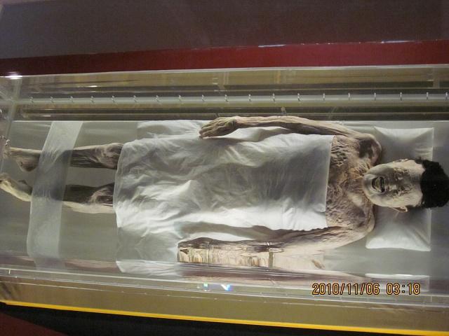 Nejzachovalejší mumie, stará přes 2000let, by se stále mohla pohybovat