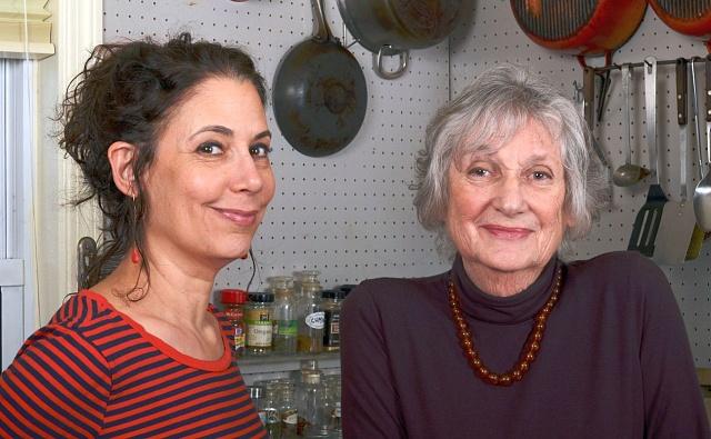 Sonya Groppmanová se svou matkou Gabrielle Rossmerovou Gropmanovou