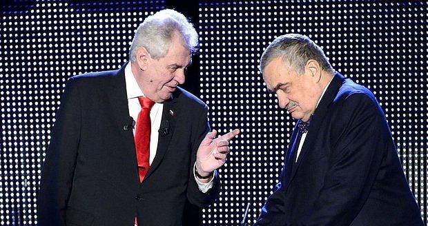Miloš Zeman a Karel Schwarzenberg při prezidentské kampani vroce 2013