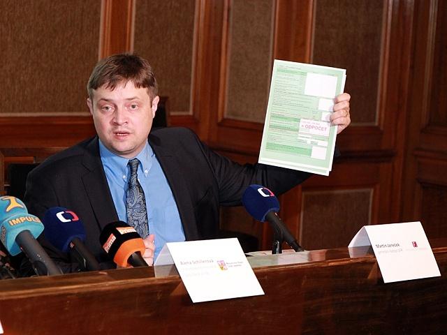 Martin Janeček, šéf finanční správy, která povinné zveřejňování smluv v registru nebere zcela vážně.