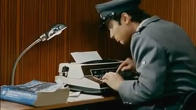 Oldřichu Kaiserovi to s psacím strojem moc nešlo.