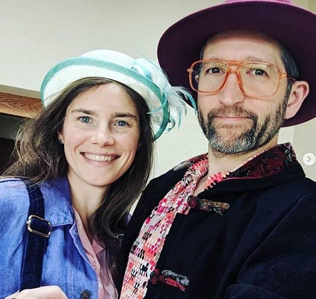 Amanda Knox s manželem Christopherem Robinsonem