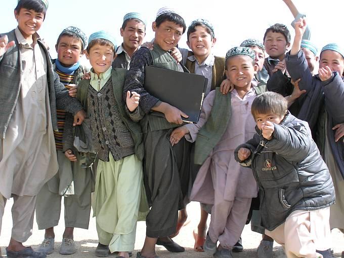 Vsoučasné době vAfghánistánu chodí do škol sedmkrát více dětí než v roce 2001.