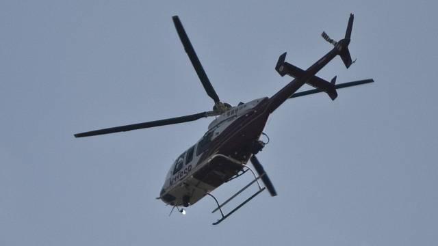 Kolumbijský biskup Rubén Darío Jaramillo Montoya věří, že jeho městu pomůže vrtulník a svěcená voda