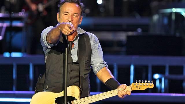 Bruce Springsteen v roce 2016 jede svoje turné s názvem The River Tour, při němž odehraje 75 koncertů v Evropě a Severní Americe.