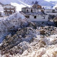 Obří lavina zničila v Galtüru třicet domů, žádný z nich přitom nestál v ohrožené zóně