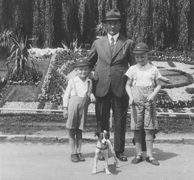 Vladimír Hradec s otcem a starším bratrem