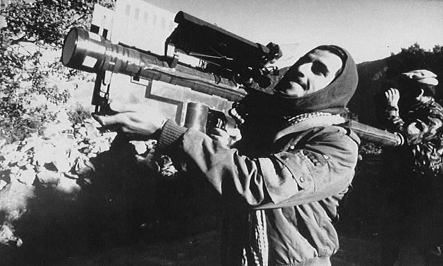 FIM-92 Stingray na rameni mudžahedína