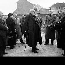 Jedenadevadesátiletý František Křižík v roce 1938 při znovuotevření Bechyňské dráhy