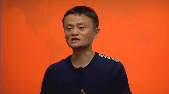 Zakladatel konsorcia Alibaba Group Jack Ma má našlápnuto stát se nejbohatším Číňanem.
