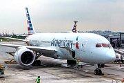 Boeing v barvách American Airlines