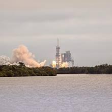 SpaceX představila raketu Falcon 9