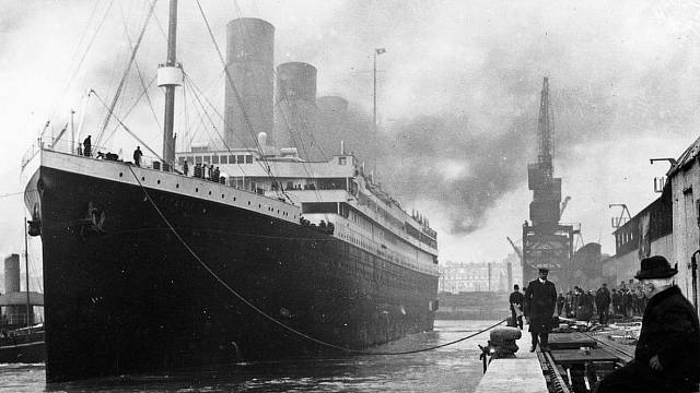 Titanic v southamptonském doku
