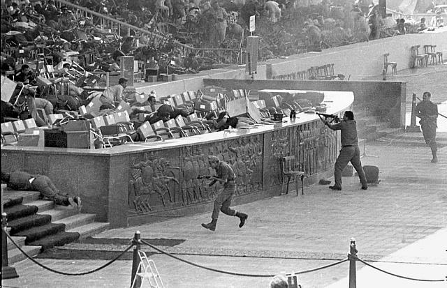 Atentát na Anvara Sadata, sedícího na tribuně
