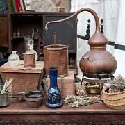 Parfémy byly ve středověku drahé, lidé si pomáhali přírodními zdroji.